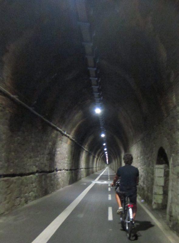 Bonnasola Framura bisiklet yolu tunel