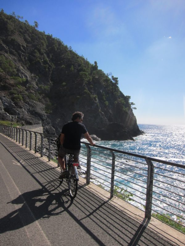 Cinqueterre Liguria sahili bisiklet yolu