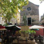 Corniglia, restoranların olduğu kilise meydanı