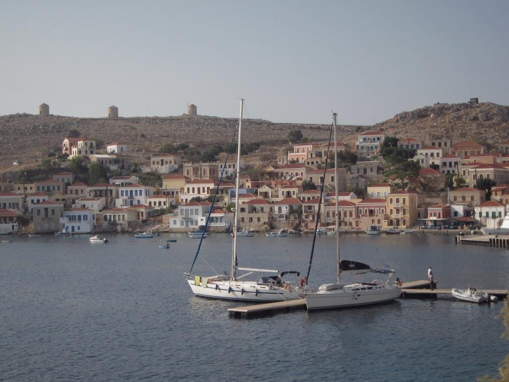 Halki adasi liman