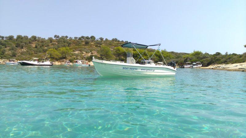 Halkidiki olmazsa olmazı: Günübirlik tekne kiralama
