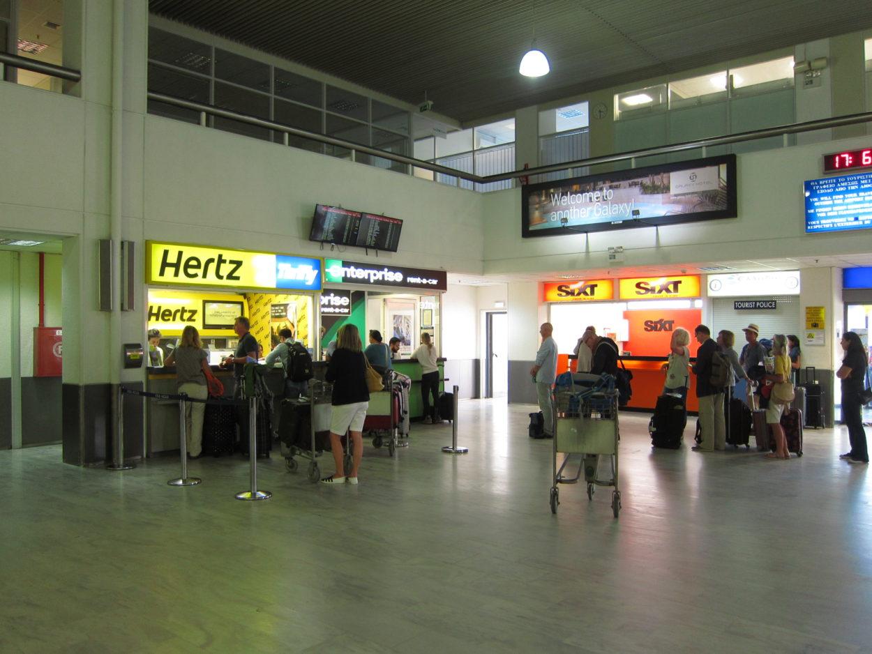 Girit havaalanı çıkışı