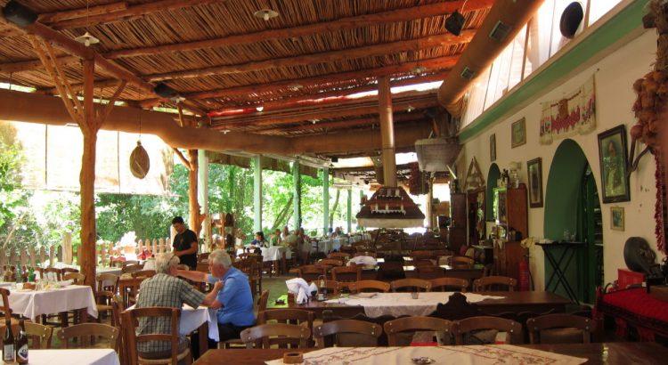 Dromos Taverna (Girit)