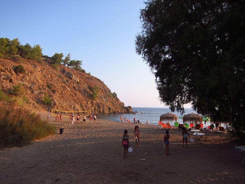 Lefkathia Beach Sakiz