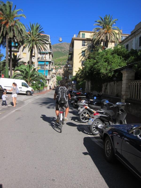 Levanto bisiklet