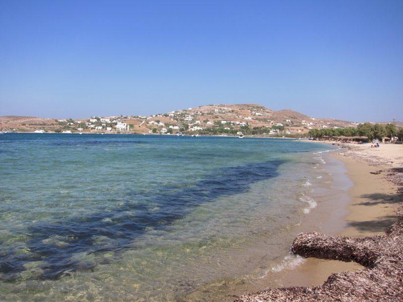 Paros Parikia içinde Livadia Plajı
