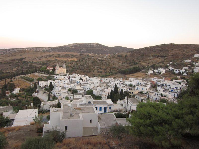 Paros Lefkes köyü