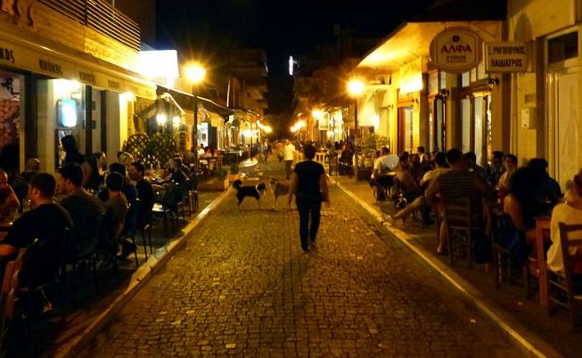 Akşam Dedeağaç sokakları