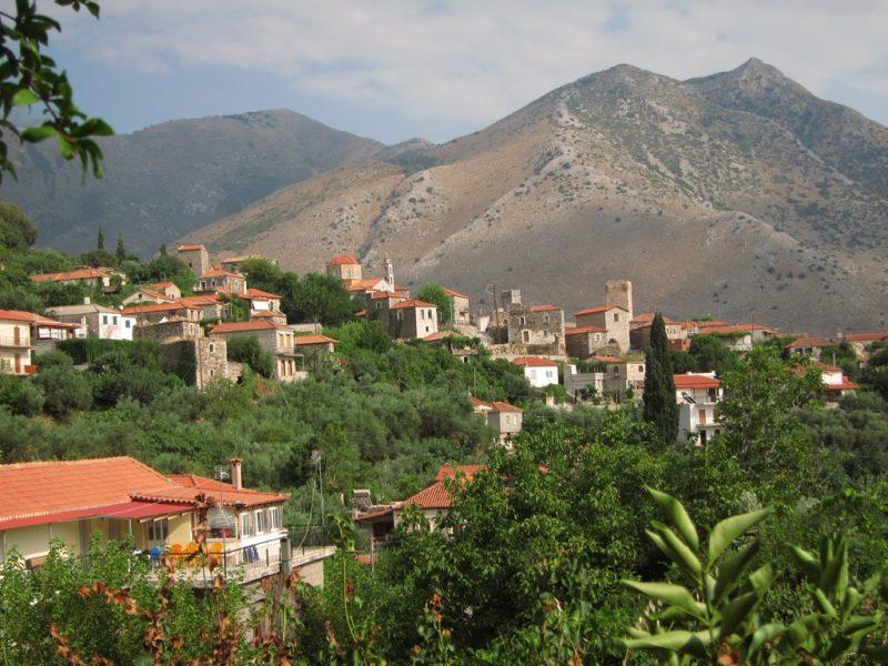 Peleponnes'de bir köy