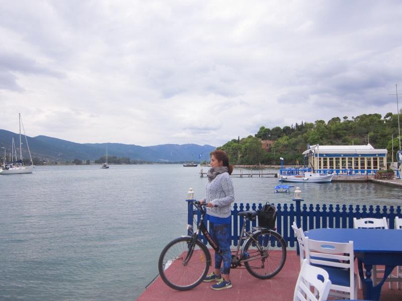 Poros adasında bisiklet turu