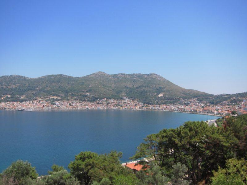 Samos, Vathi Limanı uzaktan